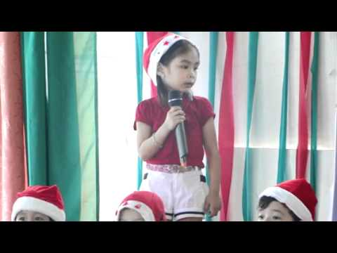 Aliana Singing Santa Claus is coming to town приход алианы